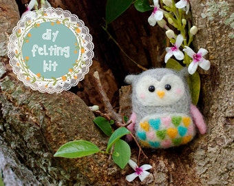 Needle Felting Kit DIY - Sweetheart Owl // Cute Needle Felted Animal // Easy Beginner Needle Felt Craft Kit // Perfect Gifts for Crafters