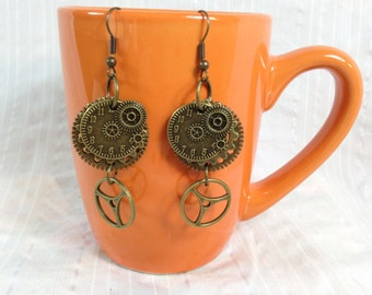 Steampunk earrings with gears and clockface