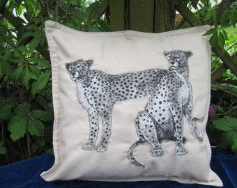 "Cushion ""Wild Life"""