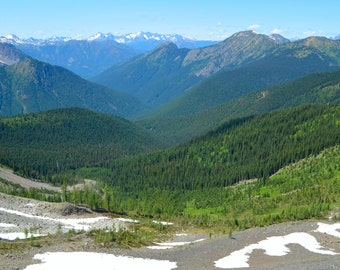 View of the the Rocky Mountains from a hiking trail in Washington