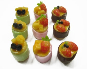 Dolls House Miniatures Food 9 Mini Fruit Cake Mixed Assorted Supply Deco Charms - 12148