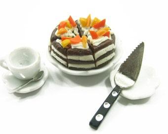 Dollhouse Miniature Food 8 Cuts Slice Chocolate Cakes with Cake Spatula Supply Deco Charms  - 4362