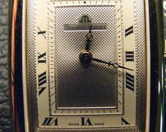 Golden dial dial watch, SWISS MADE quartz movement.
