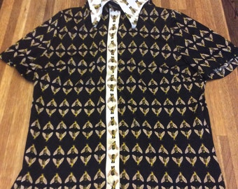 Vintage bumble bee shirt
