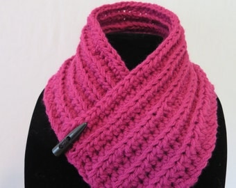 Crotchet Neck warmer Scarf Pink