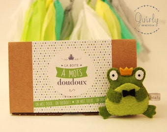 """Sweet Word box """"Will you be my prince?  and his blankie frog felt - Message of love and friendship / Love & friendship message box"""