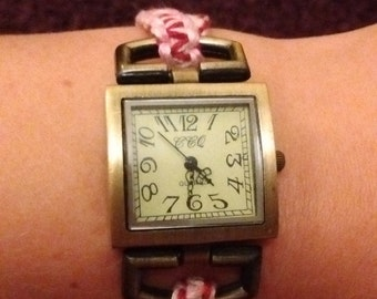 Hand-woven watchstrap with antique look watch. Elasticated, unique trendy look!