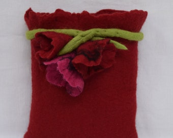 e-Book reader cover with flowers wet felted