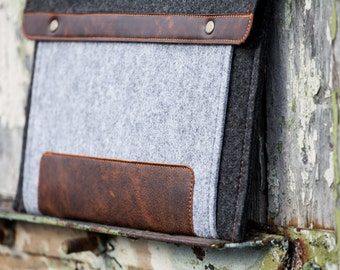 "Dark Felt Laptop Case with extra grey felt pocket. Leather Cover for MacBook 15"" PRO. Macbook 15 Case"