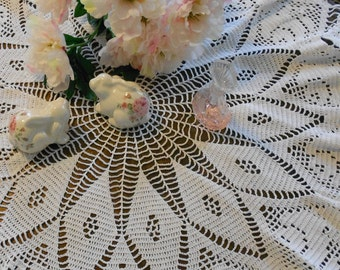 Crochet Table Topper, Large Doily/ White Roses
