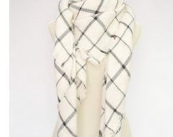 Black and White Soft Scarf