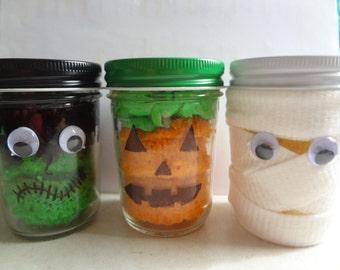 Cupcake in a jar ( Halloween)