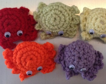Crochet Crabs Refrigerator Magnets, Set of 5