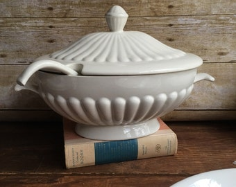 Ironstone soup tureen with ladle - California pottery - Vintage farmhouse style