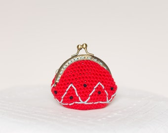 Crochet embroidery purse, kiss lock coin purse, in red.