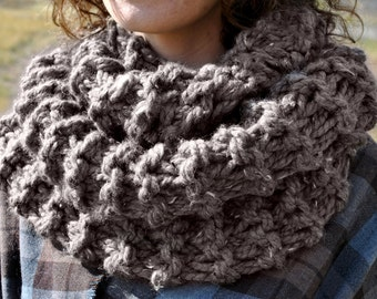 Knitting PATTERN for Claire's Chunky Outlander Cowl