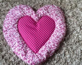 original carpet cat or dog in the shape of heart