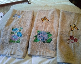 Flower & Butterfly Hand Towels