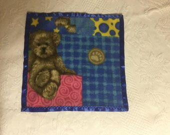 Colorful bear fleece mini blanket