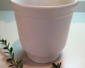 White Smith & Hawken flower pot