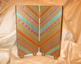 Earring Screens for women/teens/girls - Jewelry Storage/organization/display for dresser top. Customize to taste, color, and size