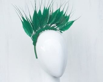 SHAKIRA: emerald feather crown / fascinator - races, special event