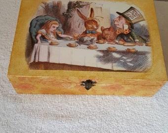 Vintage style Alice in wonderland trinket/jewellery box