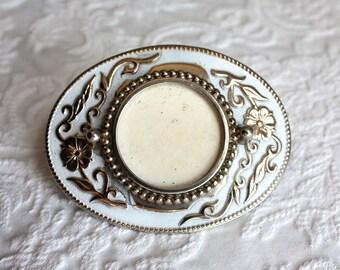Silver Dollar Belt Buckle in White