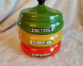 VTG Snack Bowl Set Trio / VINTAGE set of three dishes for Pretzels / Nuts / popcorn / VTG Stacking Snack Bowls Green Yellow Orange