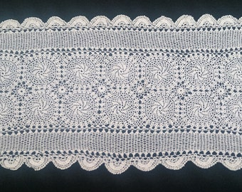 Vintage Lace Rectangular Table Runner. Pinwheel Pattern Crocheted Antique Linen White/Ivory Colour Cotton Lace Table Runner. RBT0471