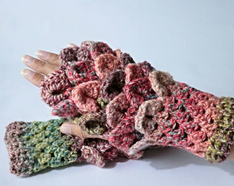 Wrist warmer gloves. Pixie, fairy, crochet fingerless gloves.
