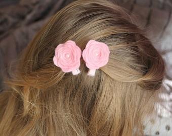 Felt hair clip. Girls hair clip. Baby pink hair clips