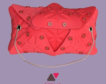Pouch with red chain Cliplie