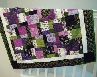 """Fresh Lilac 46"""" x 46"""" 100% cotton Lap/Baby  Quilt Purple and green"""