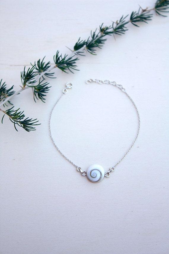 Shiva eye bracelet, silver chain bracelet with natural shiva shell 10mm, delicate Sterling Silver Bracelet, gift for her, shiva jewelry