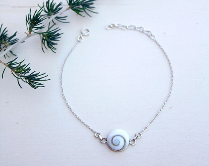Shiva eye bracelet, silver chain bracelet with natural shiva shell 10mm, delicate Sterling Silver Bracelet, gift for her, shiva jewelry