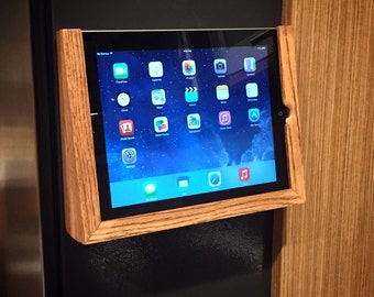 Magnetic iPad holder