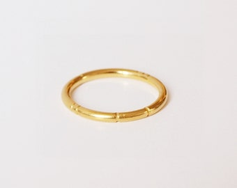 """Ridged"" ring gold"