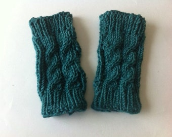 Cable-Knit Fingerless Gloves