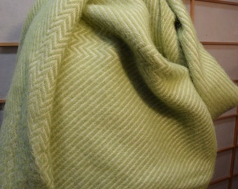 Nordic 100% Wool Throw Blanket Lime Green Cream Color