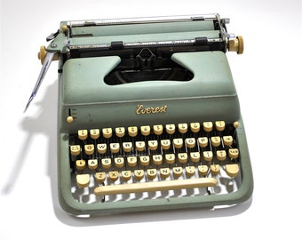 EVEREST Vintage Deluxe Modern Typewriter Made in ITALY 1960's