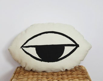 sleepy eye cushion