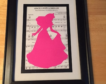Disney Aurora Paper Cutting with Music Sheet Background  / scherenschnitte / Papercutting/ Disney/ Princess/ Sleeping Beauty / Picture