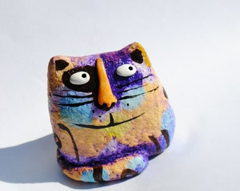 Cat figurine, paper mache cat statuette, cat miniature, paper mache, cat art