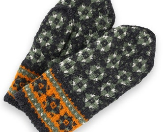 Latvian mittens - wool Mittens - double mittens -  hand knit mittens - patterned mittens - warm wool mittens - Christmas gift - size M