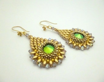 Hand embroidered earrings cristal cabochon