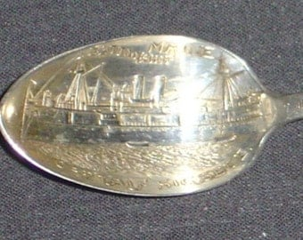 Battleship Maine with Ship (bowl) on Silver Plated Souvenir Spoon - pre-owned