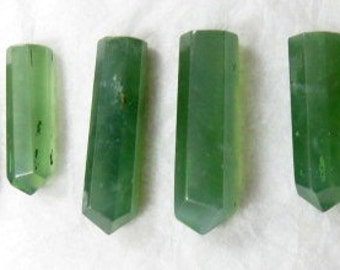7 pieces Beautiful Green Colour Serfentine Crystals