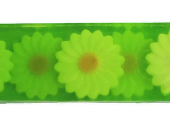 Gift soap Сamomile field Gift soap Gift for her  Gift for mom Gift for girl Сamomile soap Glycerine soap Green glycerine soap Olive soap