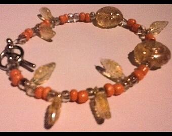 Very elegant beaded bracelet with leaves